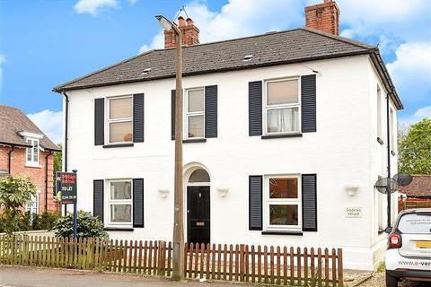 2 bedroom flat to rent - Godesia House, North Street, Winkfield, Windsor, Berkshire, SL4