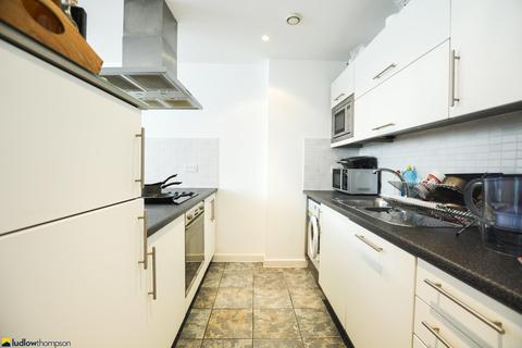 1 bedroom flat to rent - East India Dock Road, London E14