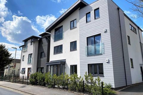 2 bedroom apartment to rent - Clarence Road, Fleet
