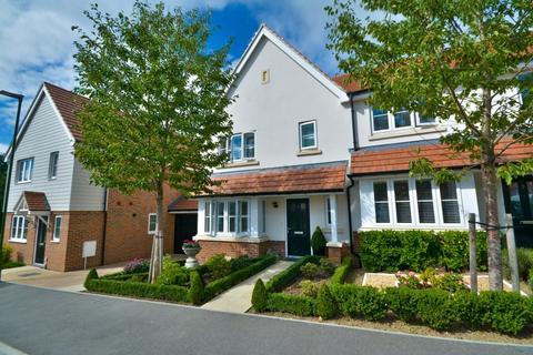 3 bedroom end of terrace house for sale - Storrington