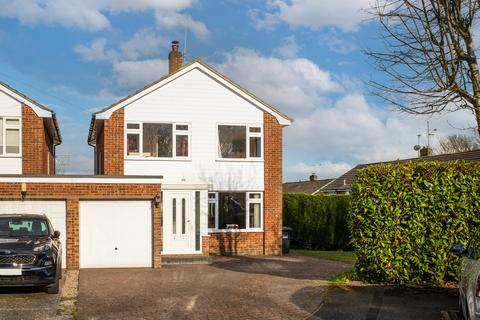 3 bedroom link detached house for sale - Byron Grove, East Grinstead