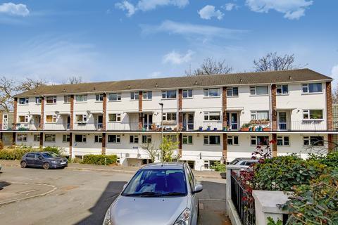 2 bedroom maisonette to rent - Highview, Anerley Grove