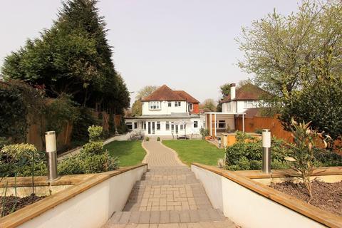 5 bedroom detached house for sale - Burgh Wood, Banstead
