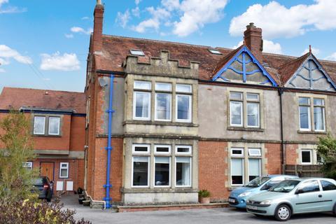 1 bedroom ground floor flat for sale - Charlton Road, Shepton Mallet