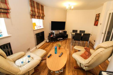 3 bedroom ground floor flat to rent - St Michaels Crescent, Headingley