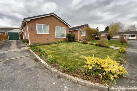 2 bedroom detached bungalow for sale - Parc Y Llan, Denbigh