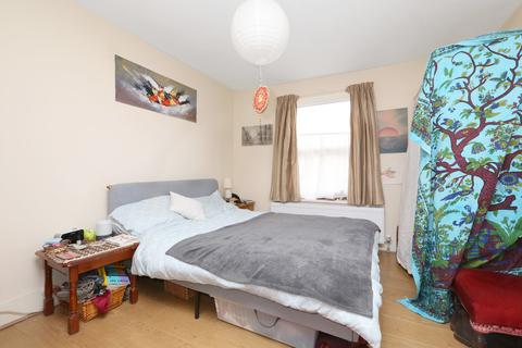 1 bedroom apartment to rent - Ferme Park Road , Stroud Green