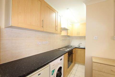 1 bedroom ground floor flat to rent - Crescent Road, London