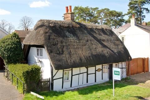 2 bedroom detached house for sale - Main Street, Maids Moreton, Buckinghamshire, MK18