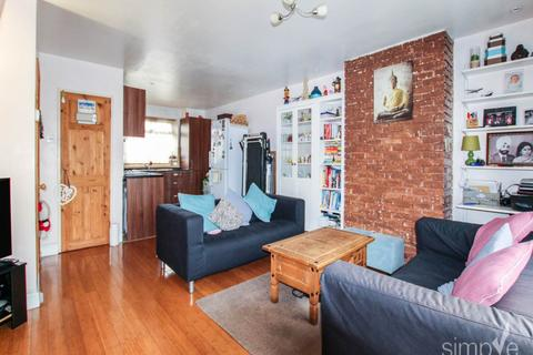2 bedroom house to rent - Hoskins Close, Hayes, Middlesex