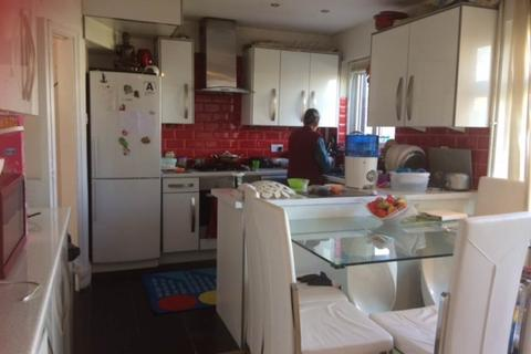 3 bedroom house to rent - Waltham Avenue, Hayes, Middlesex