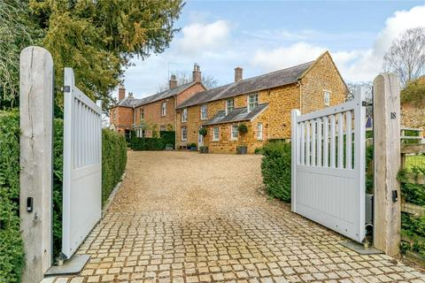 5 bedroom detached house for sale - North Street, Mears Ashby, Northampton, Northamptonshire, NN6