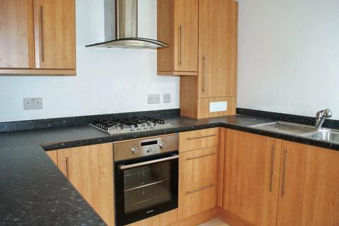 2 bedroom maisonette to rent - Norreys Avenue, Wokingham, Berkshire, RG40