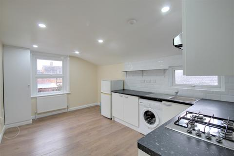 3 bedroom flat to rent - Glyn Road, Clapton