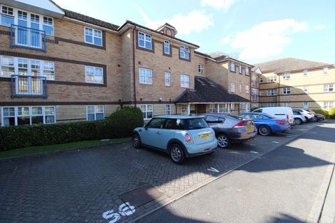 1 bedroom flat for sale - GREAT INVESTMENT on Earls Meade, Luton