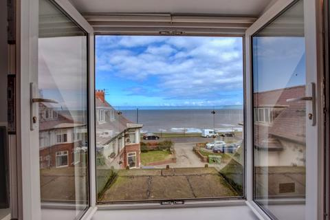2 bedroom apartment for sale - North Promenade, Whitby