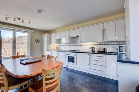 3 bedroom apartment for sale - North Promenade, Whitby