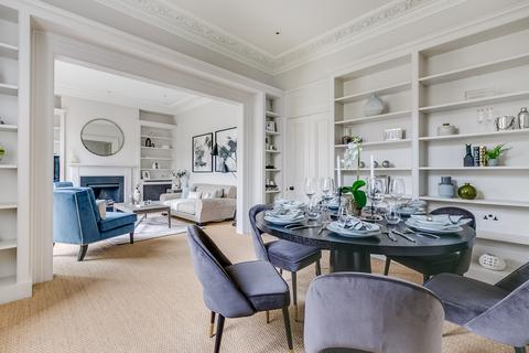3 bedroom apartment for sale - Altenburg Gardens, SW11