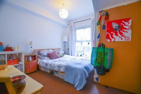 4 bedroom house share to rent - Kyverdale Road, Stoke Newington N16