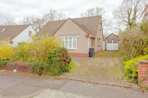 4 bedroom detached bungalow for sale - The Pastures, Llanyravon, Cwmbran