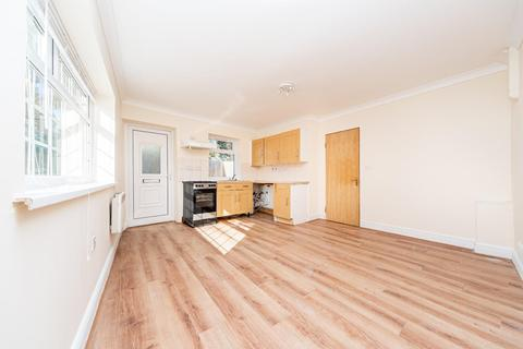 1 bedroom flat to rent - Kempe Road, Enfield