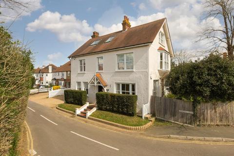 5 bedroom detached house for sale - Agates Lane, Ashtead
