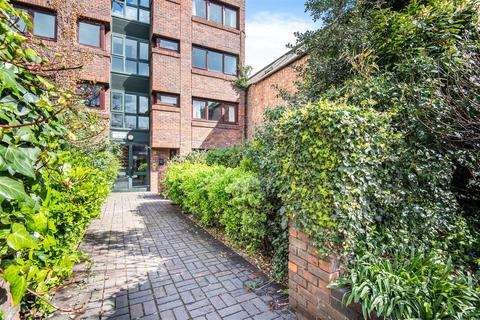2 bedroom apartment for sale - Brighton Road, Surbiton