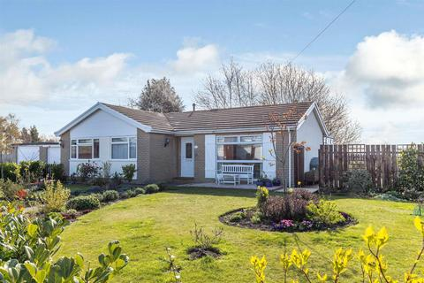 3 bedroom detached bungalow for sale - South View, Oswestry
