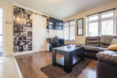1 bedroom flat for sale - Waverley Road, Enfield