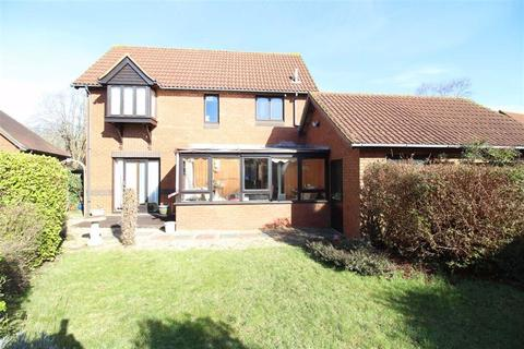 2 bedroom detached house for sale - Fernglade, New Milton, Hampshire