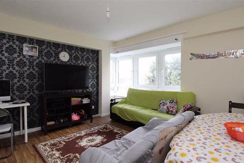 2 bedroom flat for sale - John Burns Drive, Barking, Essex, IG11