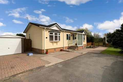 2 bedroom chalet for sale - Estuary Park, Llangennech, Llanelli