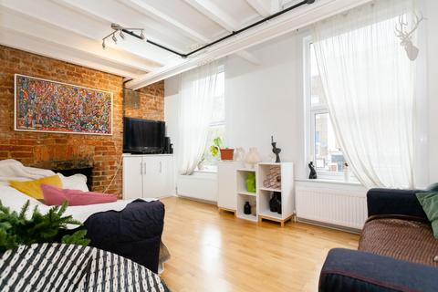 4 bedroom flat to rent - Allen Road, London