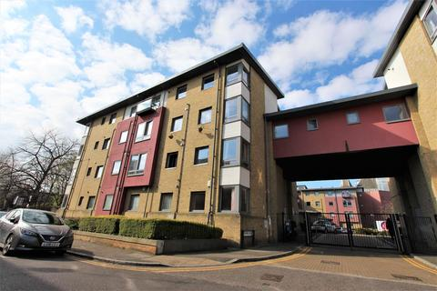 1 bedroom flat to rent - Crown Close, Winkfield Road, Wood Green