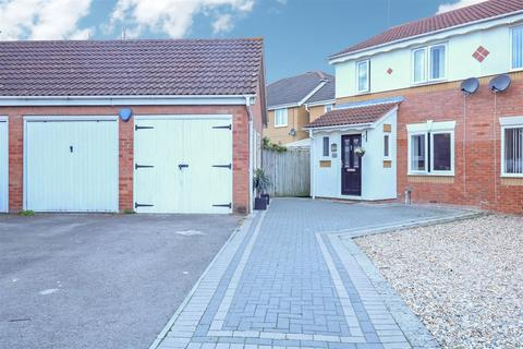 3 bedroom semi-detached house for sale - Challinor, Harlow