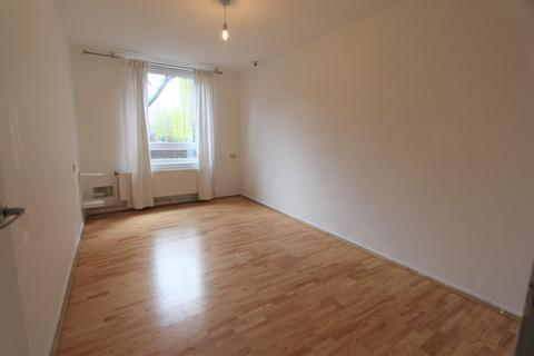 1 bedroom flat to rent - Reedham Close , London, N17