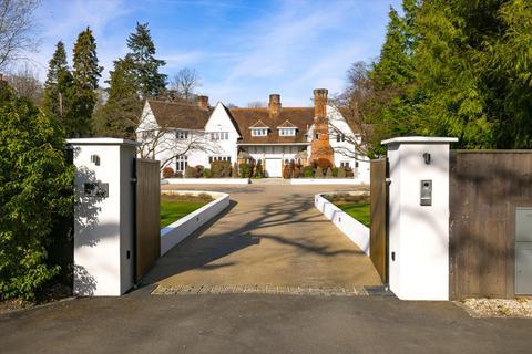 5 bedroom detached house for sale - Copsem Lane, Esher, Surrey, KT10