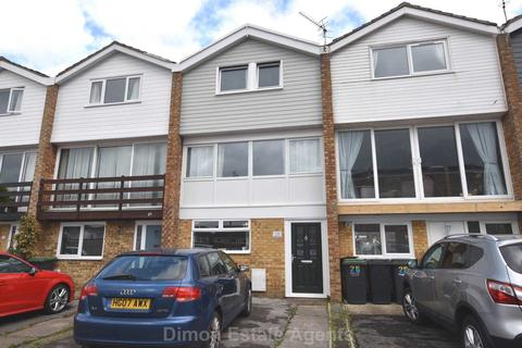 4 bedroom terraced house for sale - Churcher Close, Gomer
