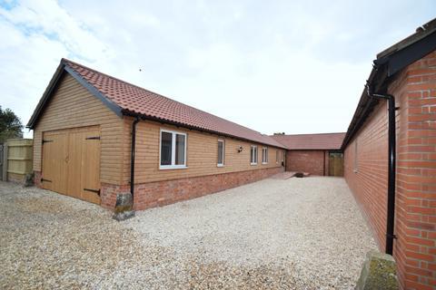 4 bedroom barn conversion to rent - Wareham