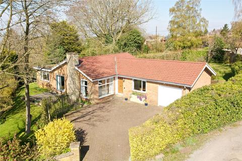3 bedroom bungalow for sale - Knights Close, Great Brickhill, Milton Keynes, Buckinghamshire, MK17
