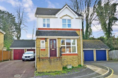 3 bedroom detached house for sale - Nativity Close, Sittingbourne, Kent