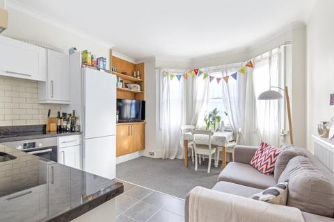 3 bedroom flat to rent - Vera Road, Fulham SW6