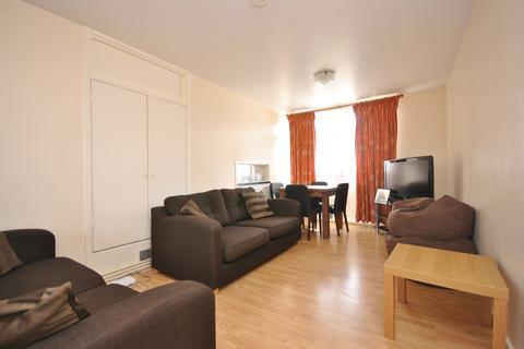 4 bedroom flat for sale - Lorrimore Square London SE17