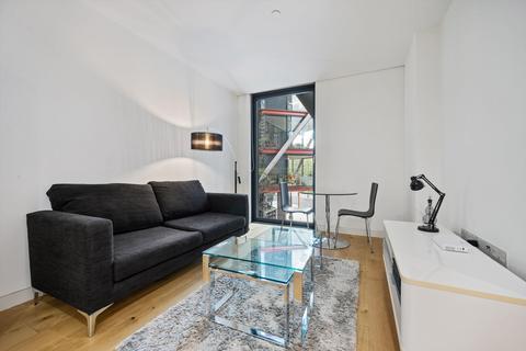 Studio to rent - Sumner Street, London, Greater London, SE1
