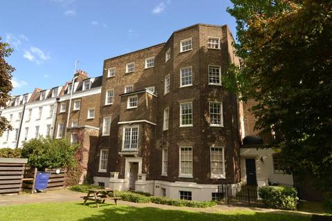 3 bedroom flat to rent - Bowyer House, SW4