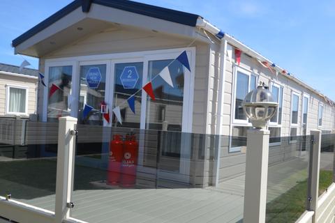 2 bedroom lodge for sale - Alberta, Whitstable