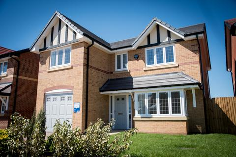 5 bedroom detached house for sale - Plot 72, The Davenham at Moorfield Park, Moorfield Park, Moonstone crescent (Off Garstang Road East) FY6