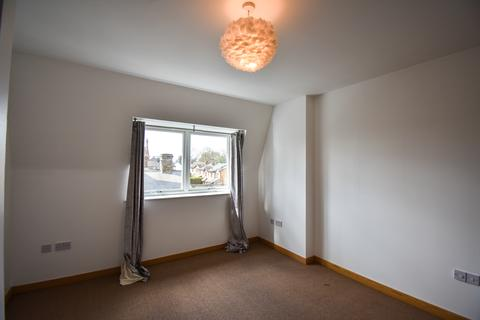 2 bedroom flat to rent - Raine Gardens, Mornington Road, Woodford Green IG8