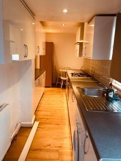 2 bedroom flat to rent - Stratford Road, UB4 9EG
