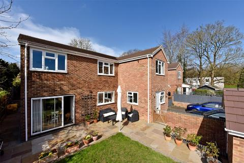 5 bedroom detached house to rent - Lowfield Road, Caversham, Reading, RG4